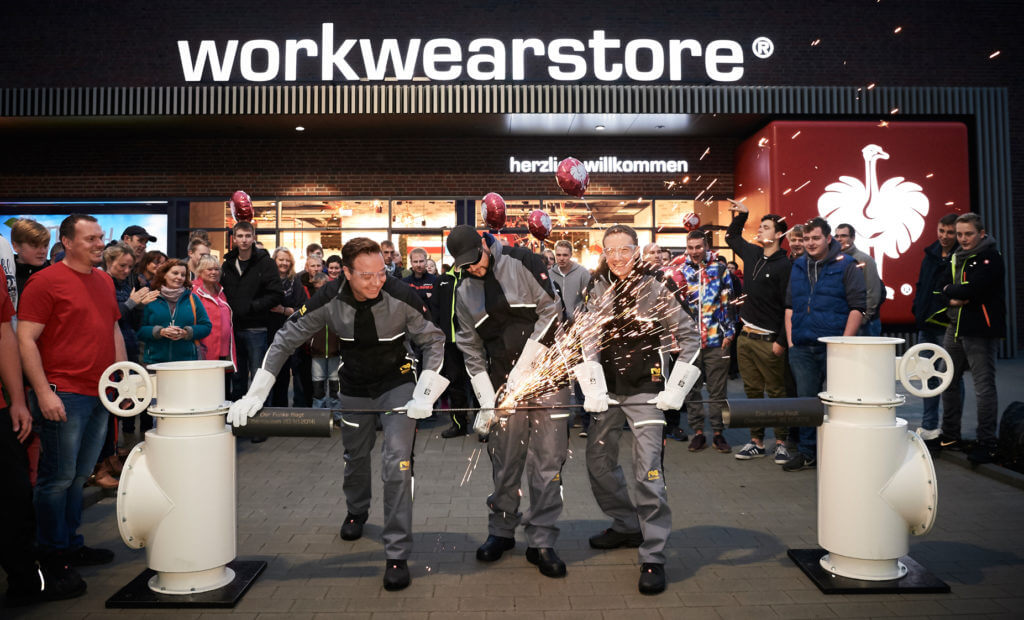 Henning and Steffen Strauß opening the Workwearstore in Oberhausen (Photo: Engelbert Strauss)